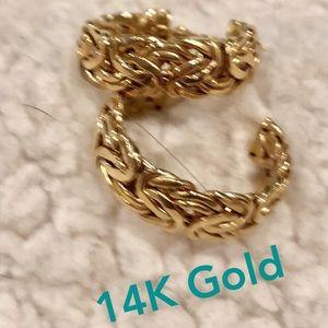 Boho 14K gold hoop earrings w/ design VTG EUC